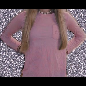 Light pink vineyard vines long sleeve T-shirt!!
